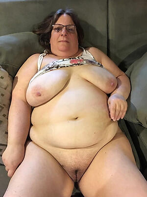 young lesbins nude