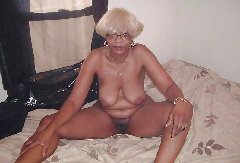nude female frontal view